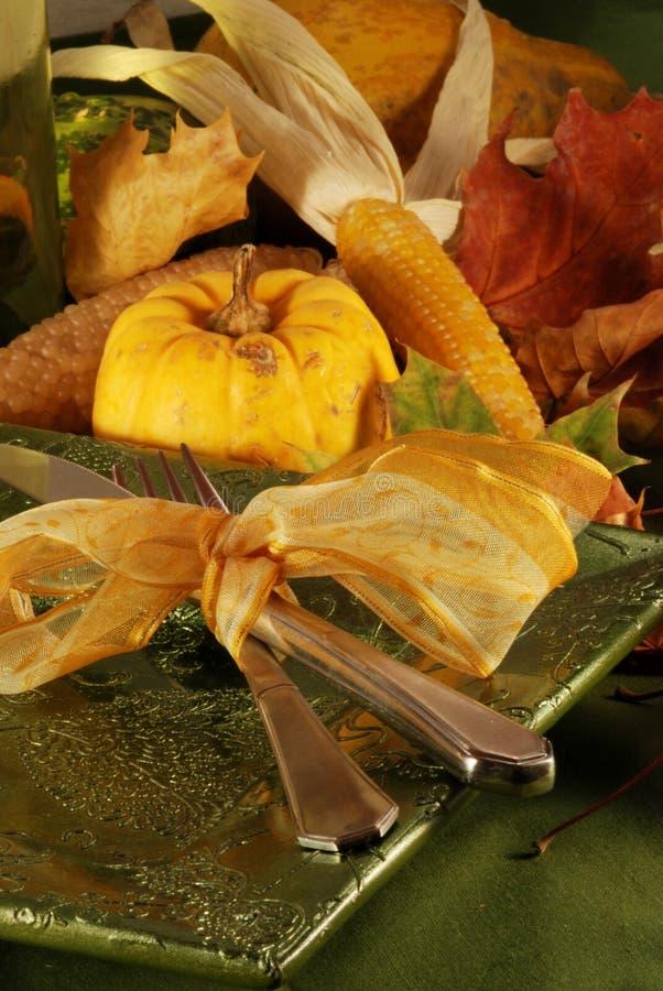 Regolazione della tabella di autunno fotografie stock libere da diritti