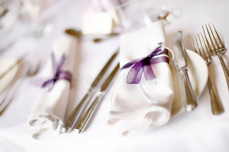 Regolazione della Tabella di cerimonia nuziale fotografia stock