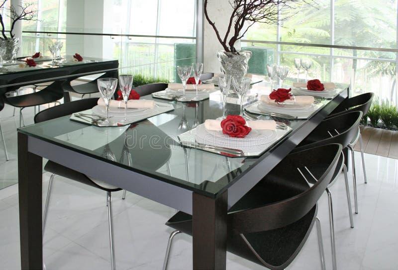 Regolazione della tabella di Dinning immagini stock