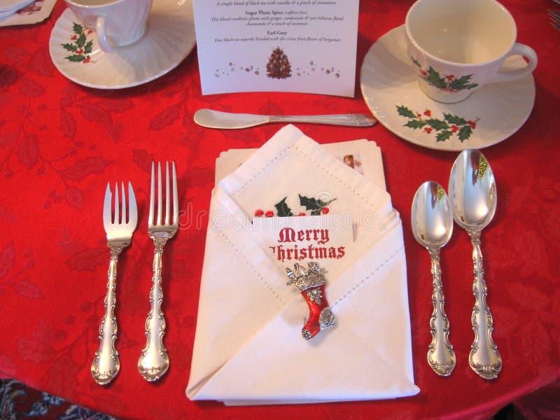 Regolazione di posto della tavola di Natale con le decorazioni decorate di festa fotografia stock