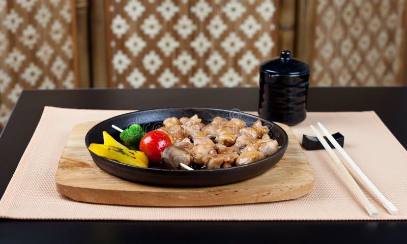 Regolazione di posto giapponese della tabella. Ready per il pranzo immagini stock libere da diritti