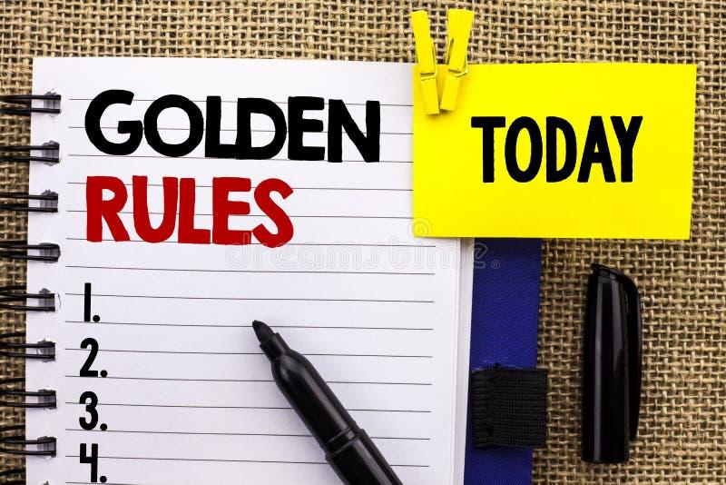 Regole d'oro del testo di scrittura di parola Il concetto di affari per i principi di regolamento svuota il piano Norm Policy Sta fotografie stock