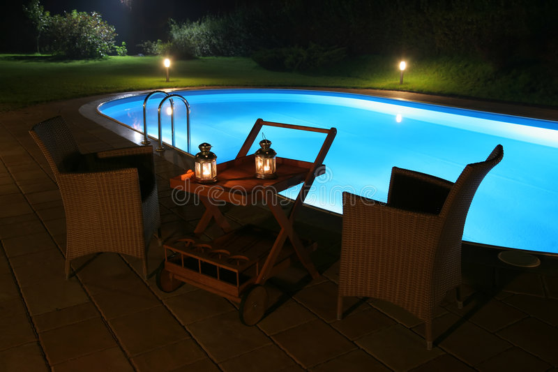 Regroupement et patio par Night photographie stock