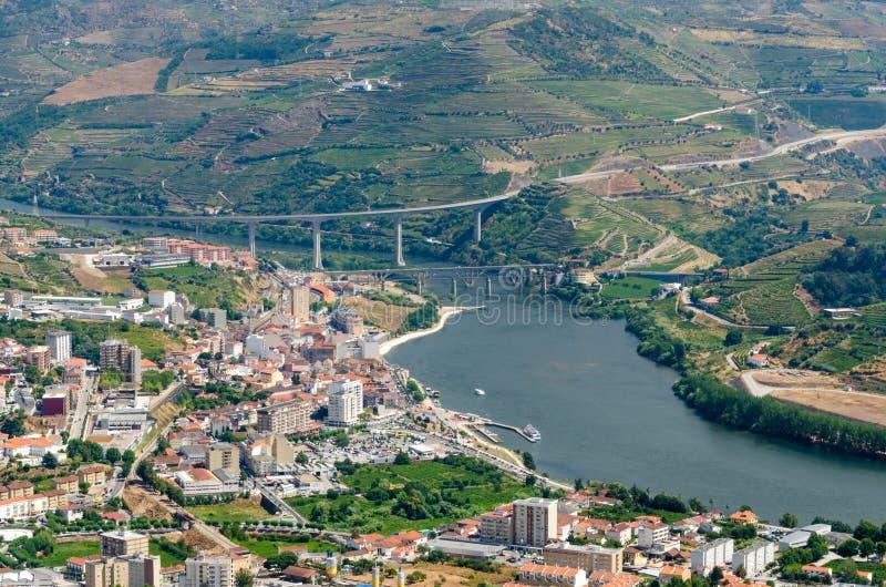 Regua, vineyars en vallée de Douro photos stock