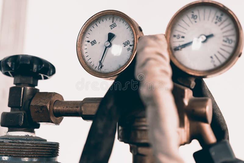 Regulador da pressão para a soldadura de gás fotografia de stock