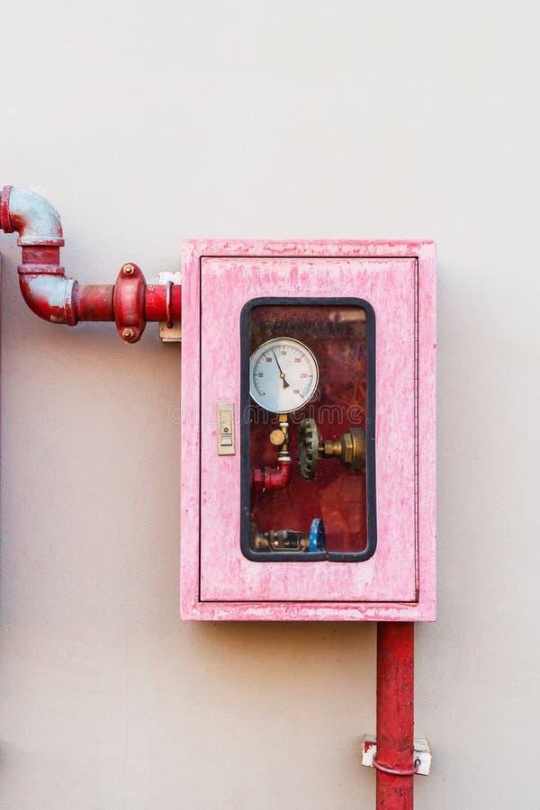 Regulador del sistema de la lucha contra la regadera y el fuego del agua imagen de archivo libre de regalías