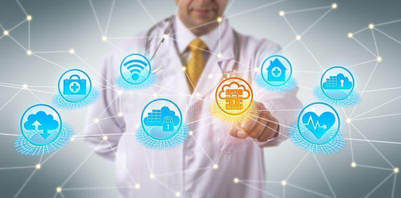 Regulamentos da segurança do doutor Complying With Cloud imagem de stock