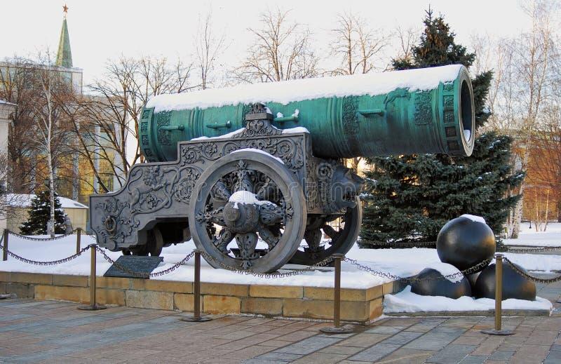 Rei Cannon do canhão do czar no Kremlin de Moscou no inverno fotografia de stock royalty free