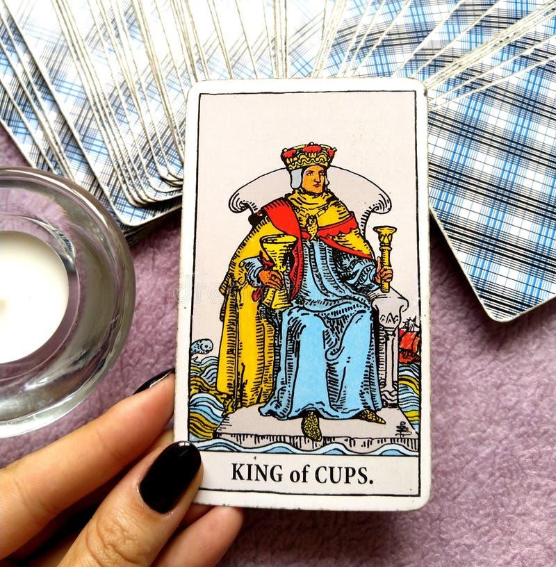 Rei do cartão de tarô dos copos imagem de stock royalty free