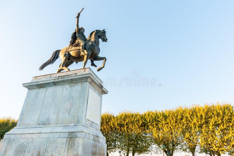 Rei Louis X1V do ponto de vista do baixo ângulo em Jardin de Peyrou, Mont imagem de stock royalty free