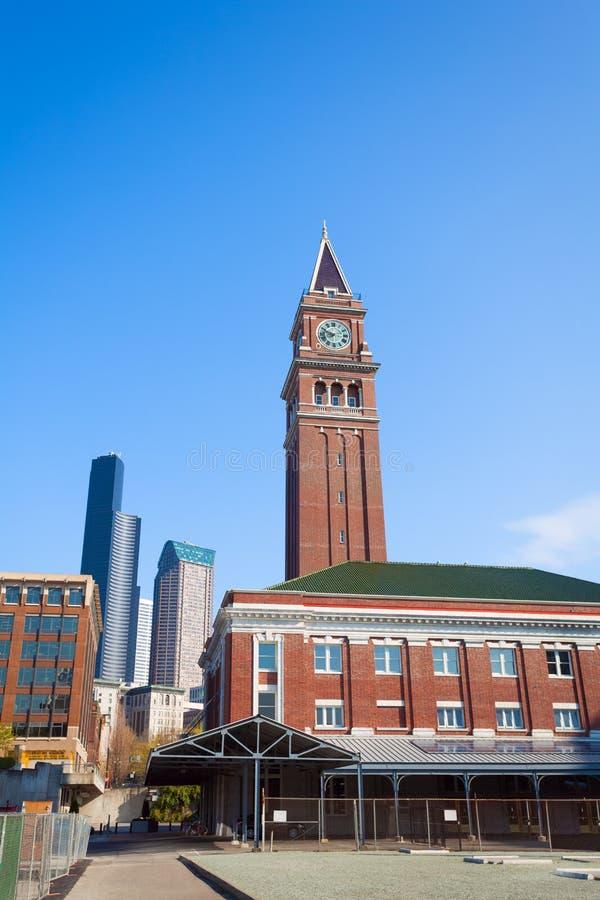 Rei Street Station de Seattle com torre de pulso de disparo, EUA foto de stock