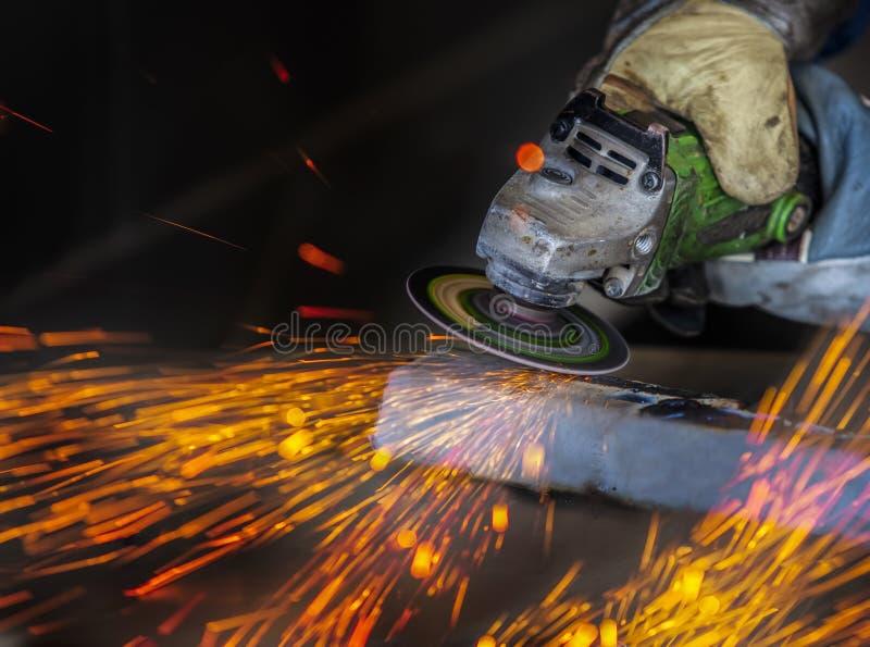 Reiben in einer Stahlfabrik stockbild