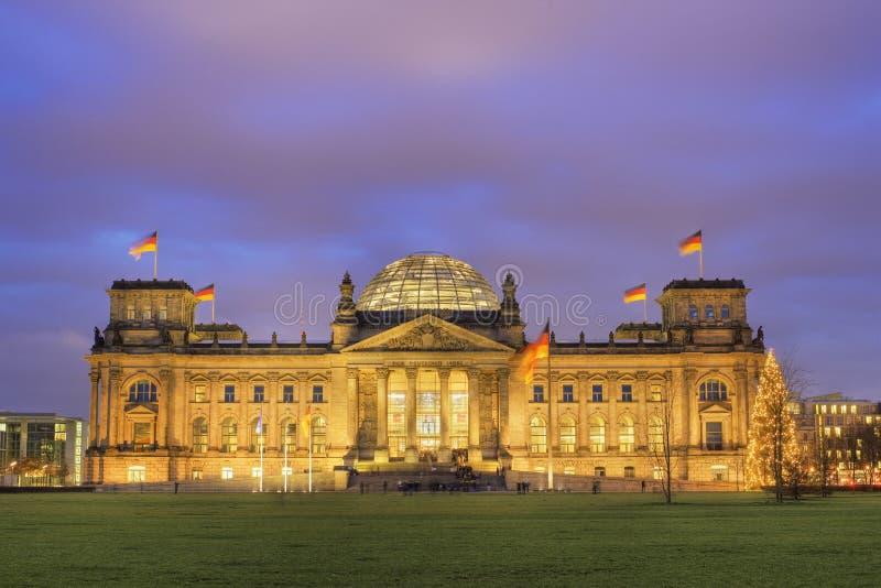 Reichstag на сумраке стоковое фото rf