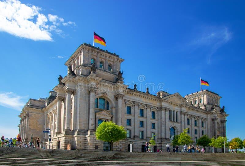 Reichstag/der Bundestag - Gebäude des deutschen Parlaments im berli stockfotografie