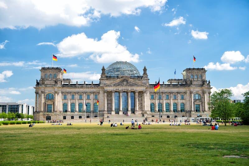 Reichstag-Gebäude, Sitz des deutschen Parlaments lizenzfreies stockbild