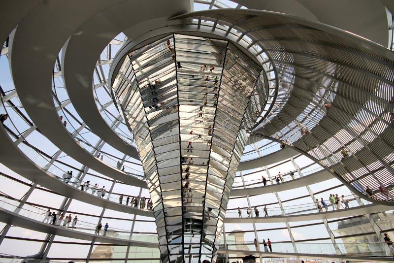Reichstag kupolinre royaltyfria bilder
