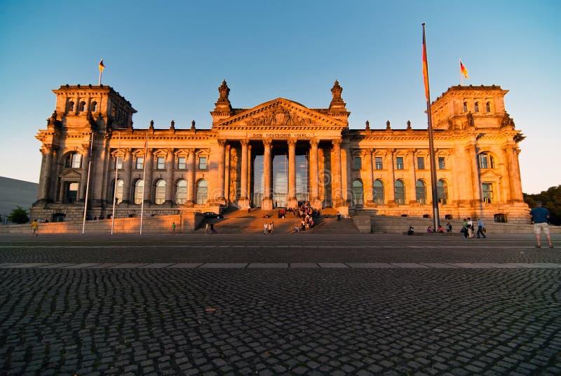 Download Reichstag V7 imagem de stock. Imagem de política, azul - 16873163