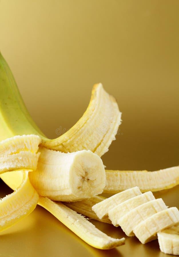 Reife Banane schnitt in Scheiben lizenzfreie stockfotografie
