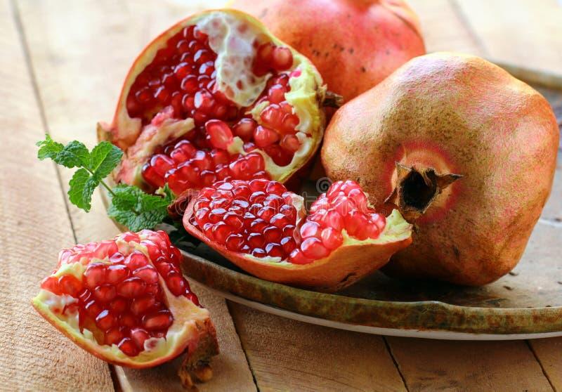 reife Frucht des Granatapfels lizenzfreies stockfoto