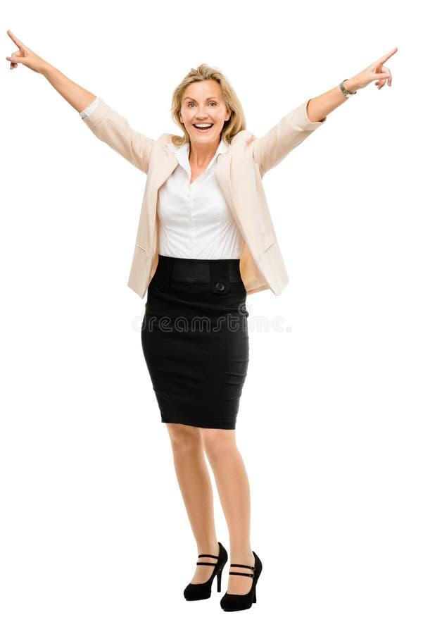 Reife Geschäftsfrau, die Erfolg lokalisiertes O in voller Länge feiert stockfotos