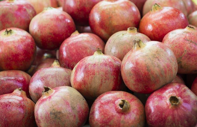 Reife Granatäpfel Selektiver Fokus des hellen Fruchthintergrundes lizenzfreies stockbild