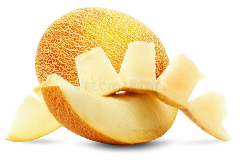 Reife Melone mit Scheiben auf dem weißen Hintergrund lizenzfreies stockfoto