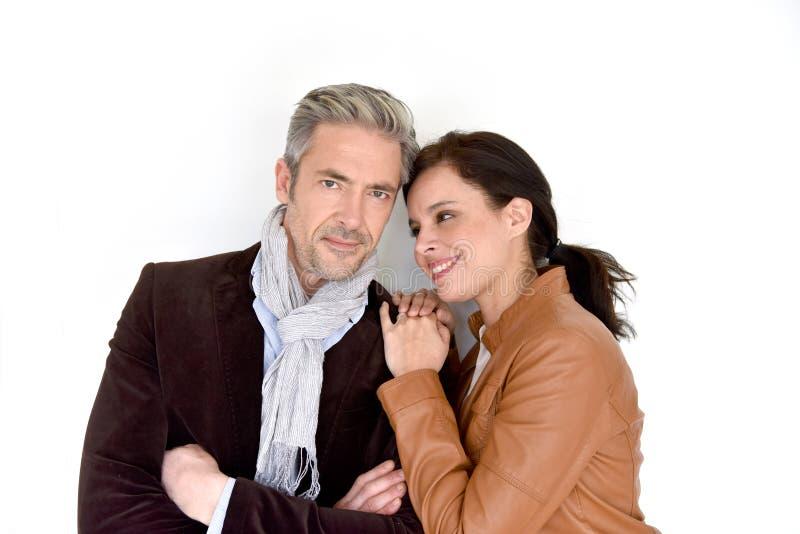 Reife Paare auf weißem Hintergrund lizenzfreie stockbilder
