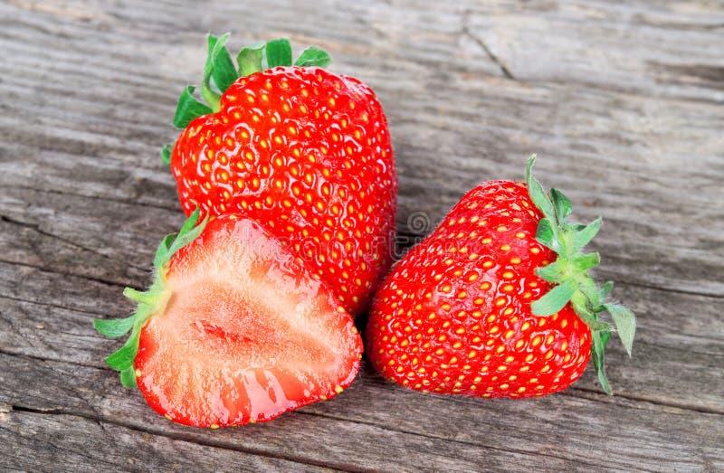 Reife saftige Erdbeere stockbild