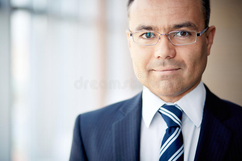 Reifer Geschäftsmann lizenzfreie stockfotografie