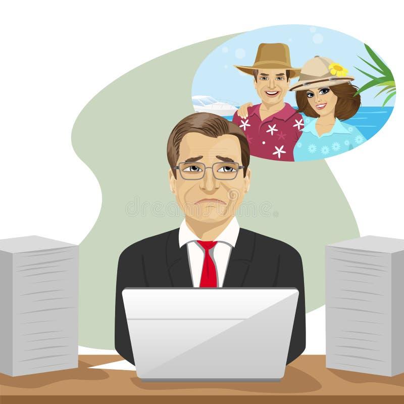 Reifer Geschäftsmann träumt über die Ferien, die mit Laptop im Büro sitzen stock abbildung