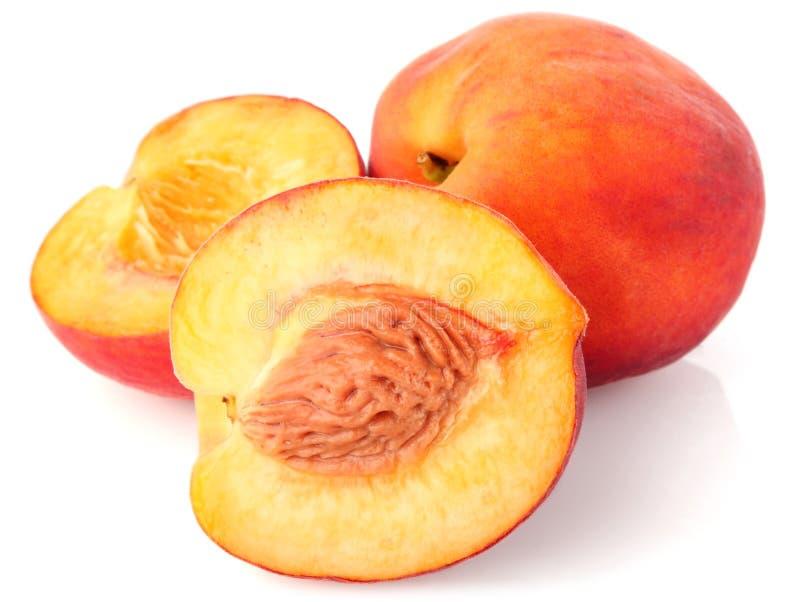 Reifer saftiger Pfirsich stockbilder