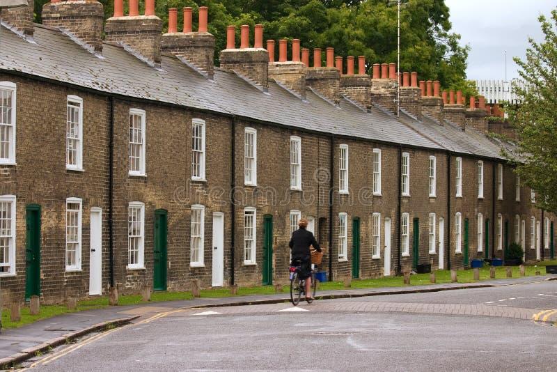 Reihe der charakteristischen englischen Häuser lizenzfreie stockbilder