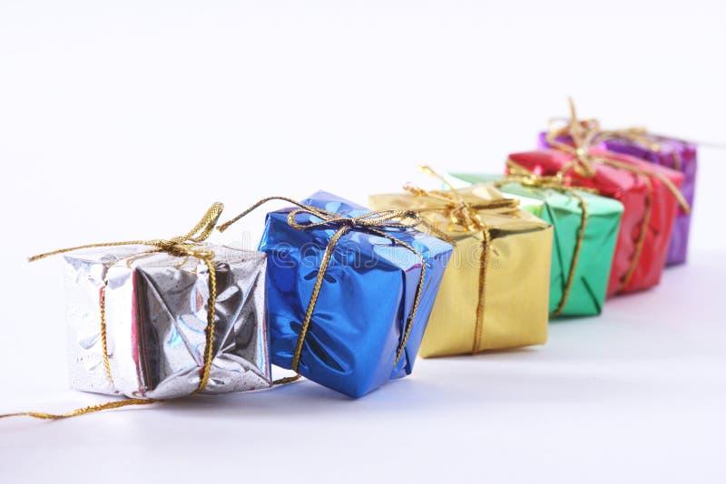 Reihe der Geschenk-Kästen lizenzfreies stockbild