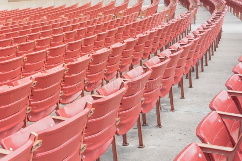 Reihe oder Stühle vom allgemeinen Freiluftperforming arten-Ort in Chica lizenzfreie stockfotos