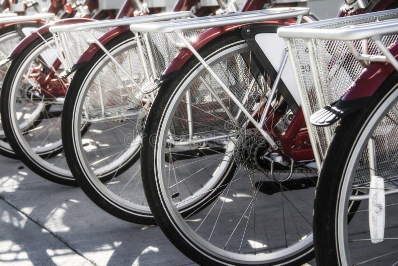 Reihe von Fahrrädern in Cincinnati Ohio lizenzfreies stockfoto