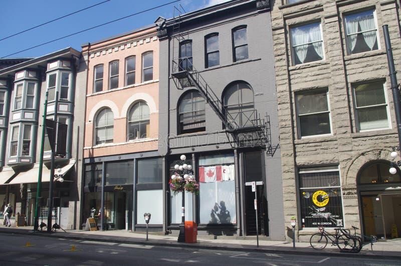 Reihe von historischen Gebäuden in Gastown stockfotos