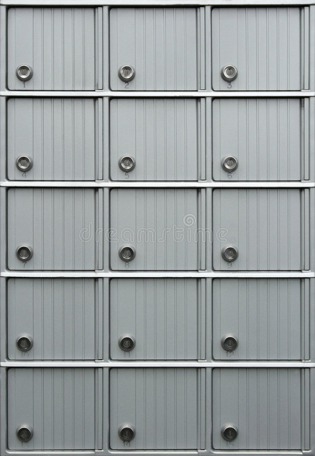 Reihen der Mailboxes stockbilder