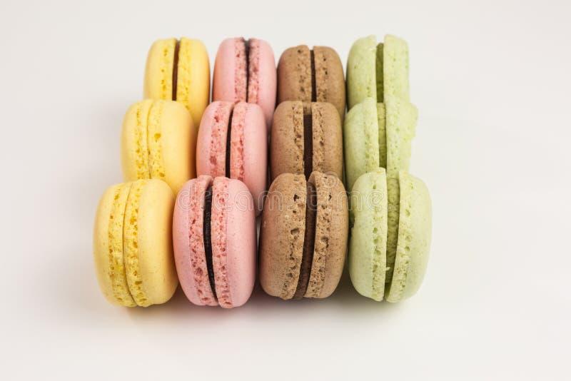 Reihen von französischen macarons lizenzfreie stockbilder