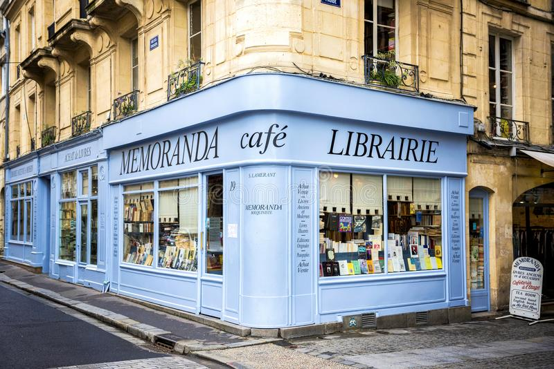 REIMS – CHAMPAGNE - FRANCE. AUGUST 17, 2017: Bookshop with wooden facade of ancient books with a retro charm. Franc stock photos