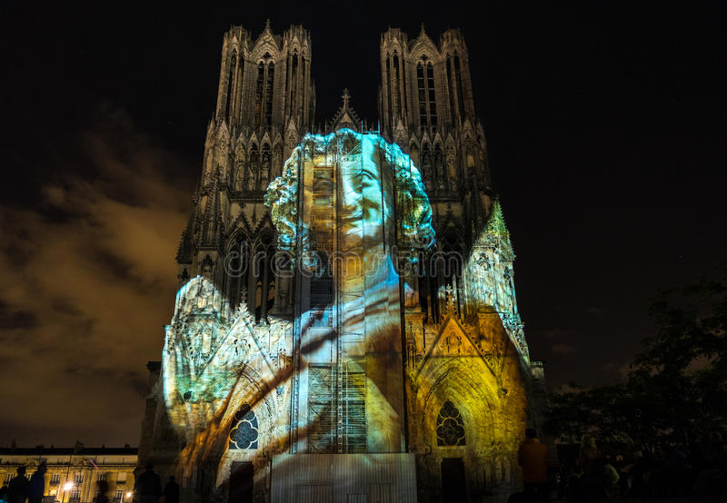 REIMS, FRANCE/EUROPE - SEPTEMBER 12 : Light Show at Reims Cathedral in Reims France on September 12, 2015. Unidentified persons royalty free stock photos