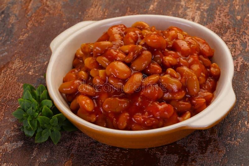 Rein cuit au four avec la sauce tomate photo libre de droits