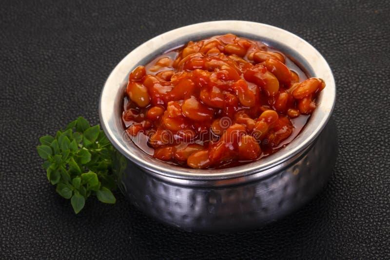 Rein cuit au four avec la sauce tomate photographie stock libre de droits