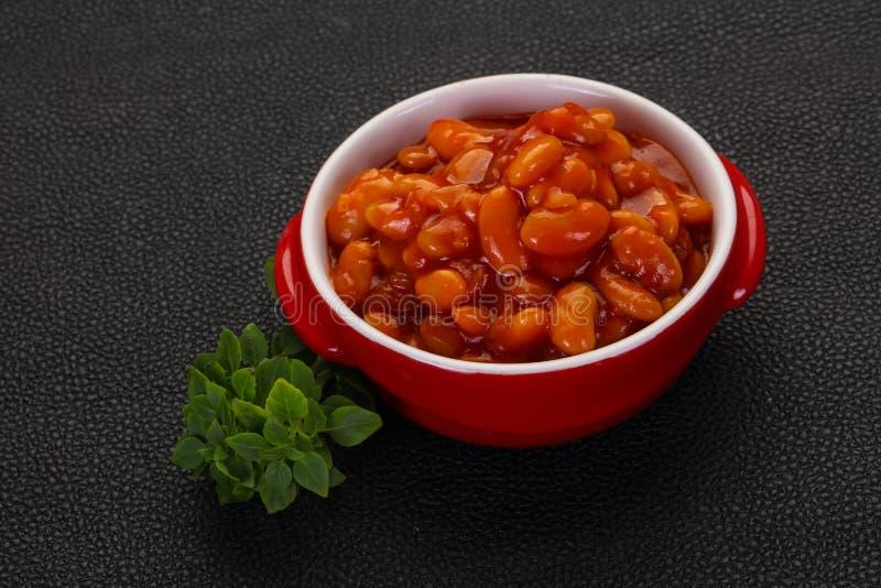 Rein cuit au four avec la sauce tomate photo stock