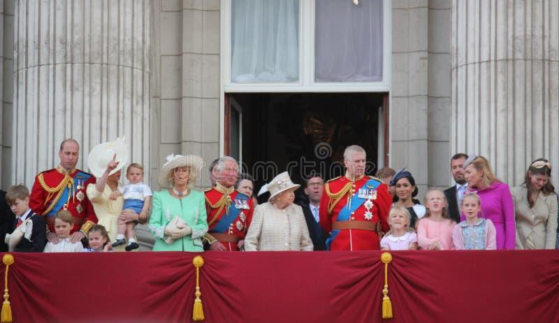 Reina Elizabeth London 8 de junio de 2019 británico - Meghan Markle Prince Harry George William Charles Kate Middleton fotos de archivo libres de regalías