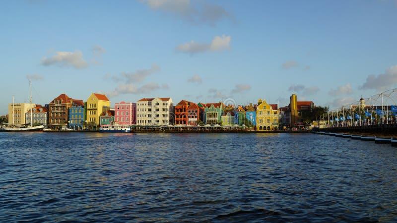 Download Reina Emma Pontoon Bridge En Willemstad, Curaçao Imagen editorial - Imagen de central, cityscape: 64208360