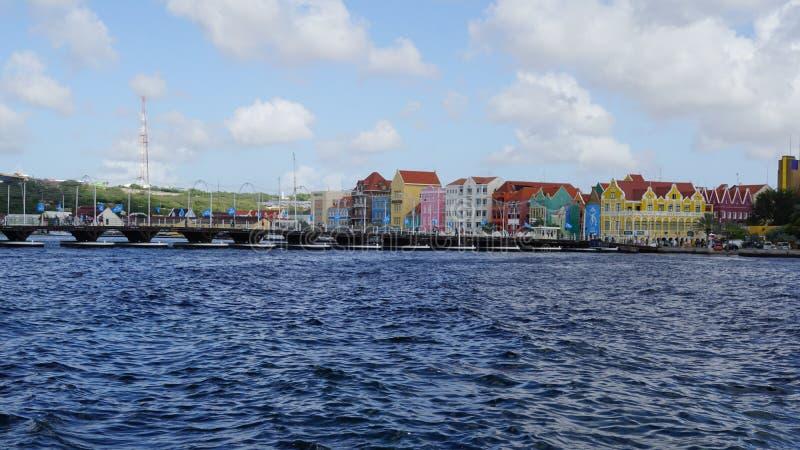 Download Reina Emma Pontoon Bridge En Willemstad, Curaçao Fotografía editorial - Imagen de fachada, central: 64208762