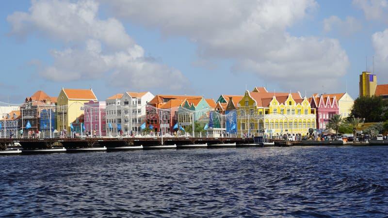 Download Reina Emma Pontoon Bridge En Willemstad, Curaçao Imagen editorial - Imagen de atracción, puerto: 64208815