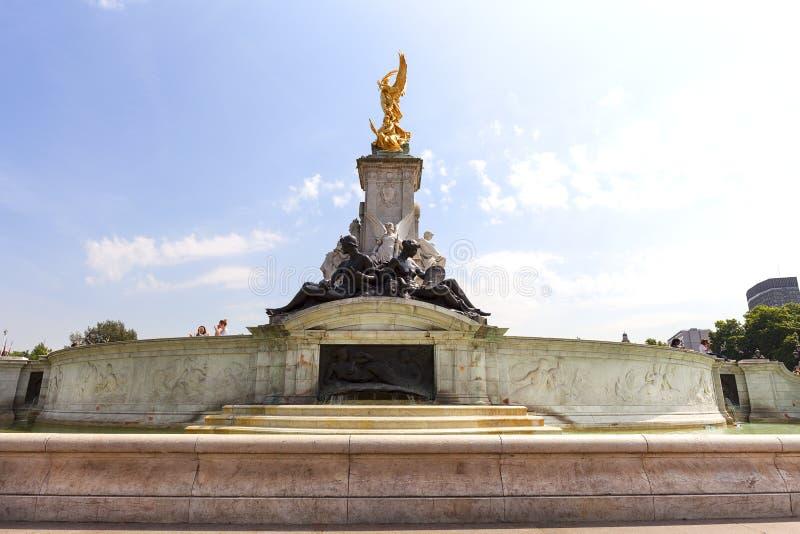 Reina Victoria Memorial delante del Buckingham Palace, Londres, Reino Unido fotos de archivo libres de regalías