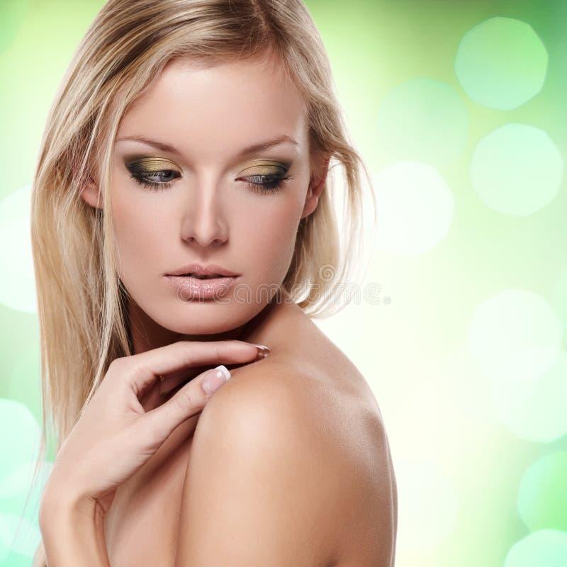 Reine Schönheit auf Grün stockbilder