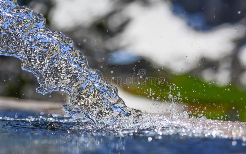 Reines, sauberes und sauberes Trinkwasser stockfoto